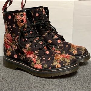 RARE Dr Martens 8 Eye Rose Floral Canvas Boot 9